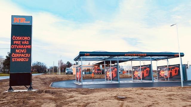 ledfal totemoszlop benzinkutaknak